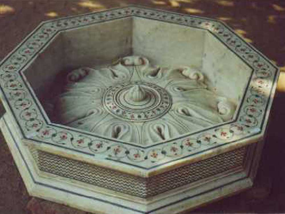 mugal inlay marble fountain